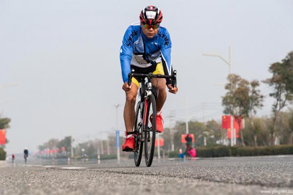 铁人三项公路自行车赛-唐鲁强