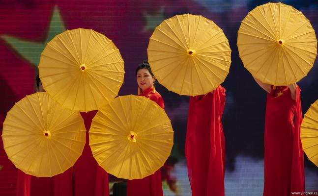 伞舞-施祖荣